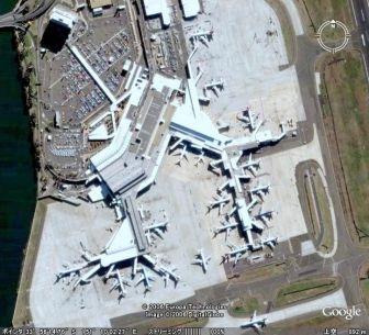 キングスフォードスミス国際空港